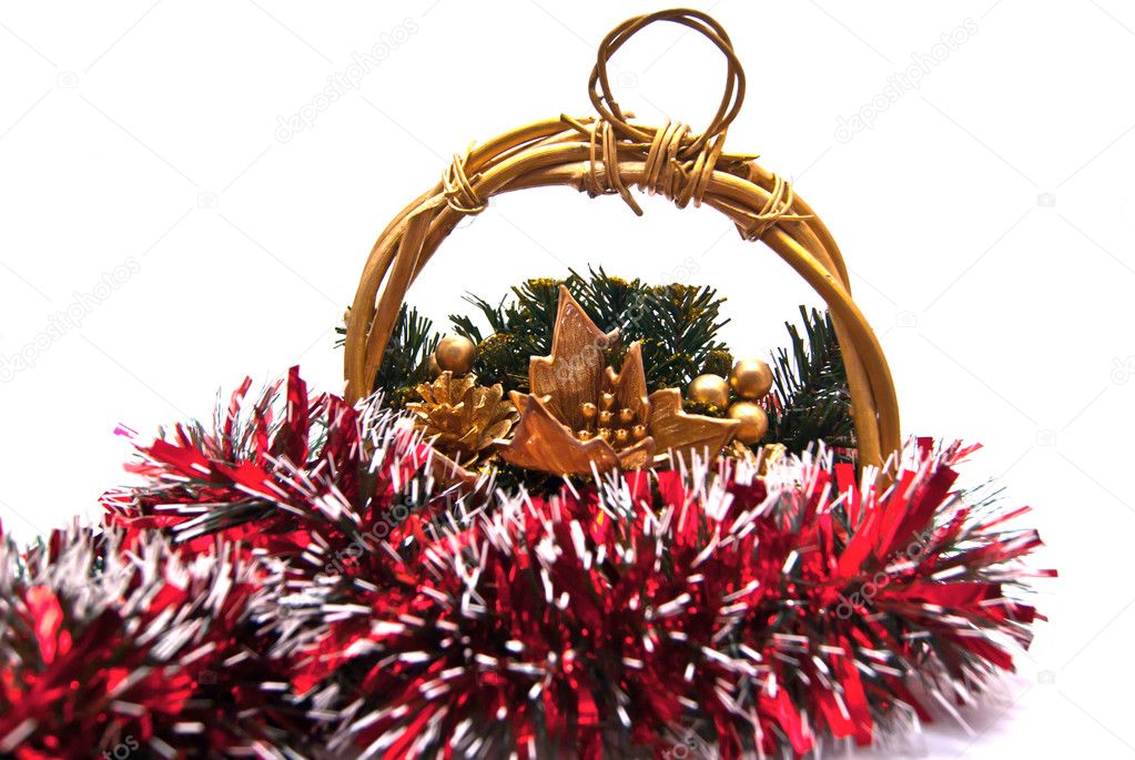 Gold Cristmas basket on white background — Stok fotoğraf #9663258