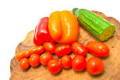 Different vegetables on a cutting board close-up — Stock Photo