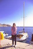 Młoda dziewczyna na wakacje — Zdjęcie stockowe