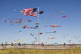 Kites and beach boardwalk — Stock Photo