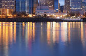 Downtown Portland, Oregon and Willamette River — Stock Photo