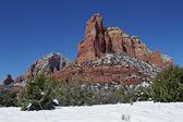 Formación de roca roja en invierno — Foto de Stock