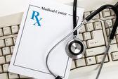 Medicamentos con y sin teclado — Foto de Stock