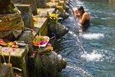 Puru Tirtha Empul Temple purifying pools — Stock Photo