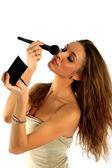 Девушка наносит макияж — Stock Photo