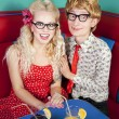 Happy nerdy couple — Stockfoto