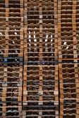 Stapeln von holzpaletten — Stockfoto