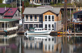 Two level floating house, Portland OR. — Stock Photo