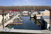 Schwimmende häuser nachbarschaft, portland oregon. — Stockfoto