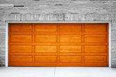 Porta de garagem marrom — Foto Stock