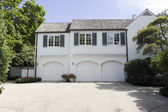 Traditional American Home with Garage — 图库照片