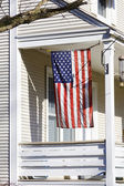 American Home with us flag for 4 of july — Φωτογραφία Αρχείου