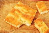 Część białą pizzę lub włoska focaccia 004 — Zdjęcie stockowe