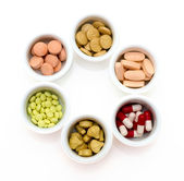 Drugs: vitamins, pills and tablets — Stock Photo