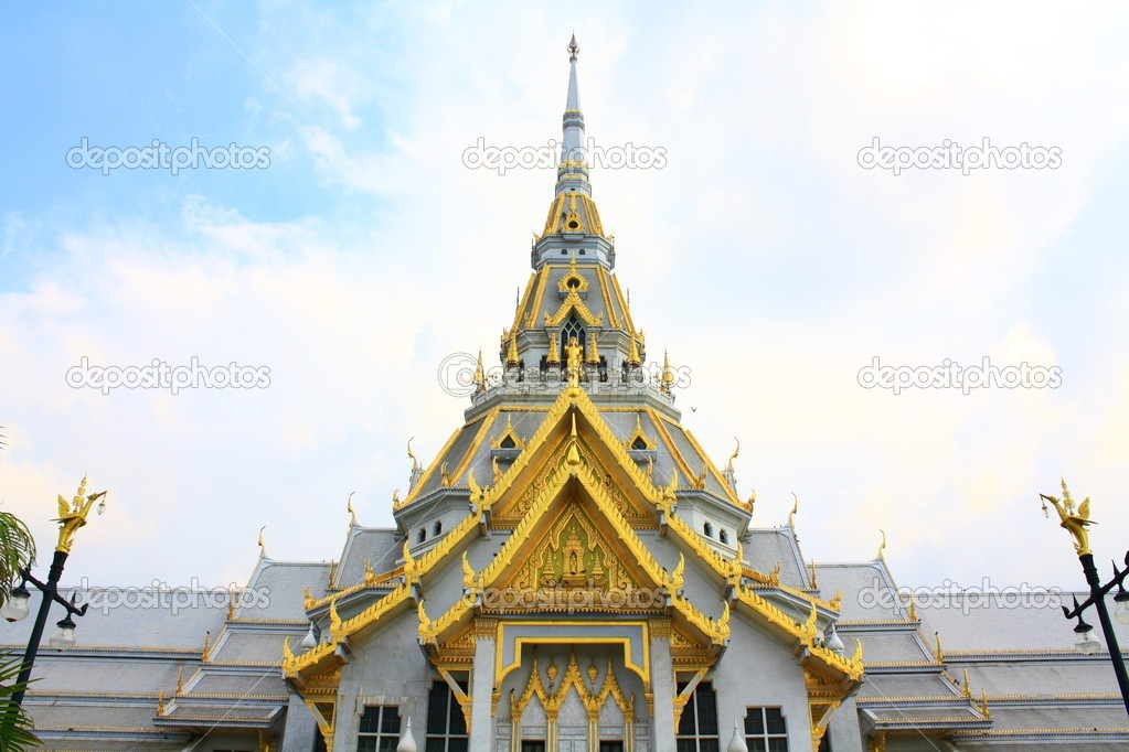 Sothonwararamworawihan , temple of thailand — Stock Photo #9603917