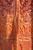 Native Thai style carving, painting on church door in the temple — Fotografia Stock