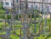 Corriente alterna de alta tensión subestación — Foto de Stock