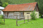 Ancient wooden barn — Stockfoto