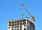 Crane with concrete formwork — Stock Photo