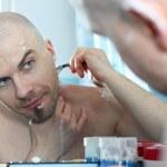 Bold man shaving — Stock Photo #8822706