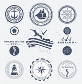 Set of vintage retro nautical badges and labels — Stock Vector