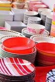 Bacias de melamina colorida, cerâmica e plástica — Foto Stock