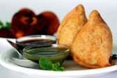 Popular indian deep fried snack called samosa — Stockfoto