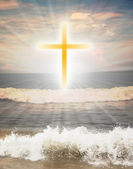 Christian religious symbol cross against sun shine — Stock Photo