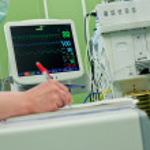 Cardiogram monitor operative room — Stock Photo