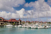 Luxury residency and marina at Eden Island, Seychelles — Stock Photo