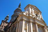Kyrkan St gaudenzio, novara — Stockfoto
