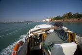 Venedig med båt — Stockfoto