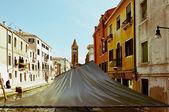 Venecia, italia - canal, barcos y casas — Foto de Stock