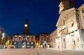кафедральный собор и исторических зданий в городе реджонель-эмилия — Стоковое фото