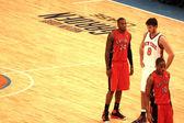 "Danilo Gallinari, Clarence ""Sonny"" Weems and DeMar DeRozan during NBA knicks match at madison square garden — Stock Photo"