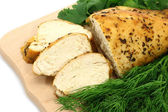 Baked chicken on wooden board close-up — 图库照片
