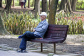 Grandfather portrait in park — Stock fotografie