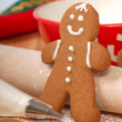 Making delicious gingerbread men — Stock Photo #8432608