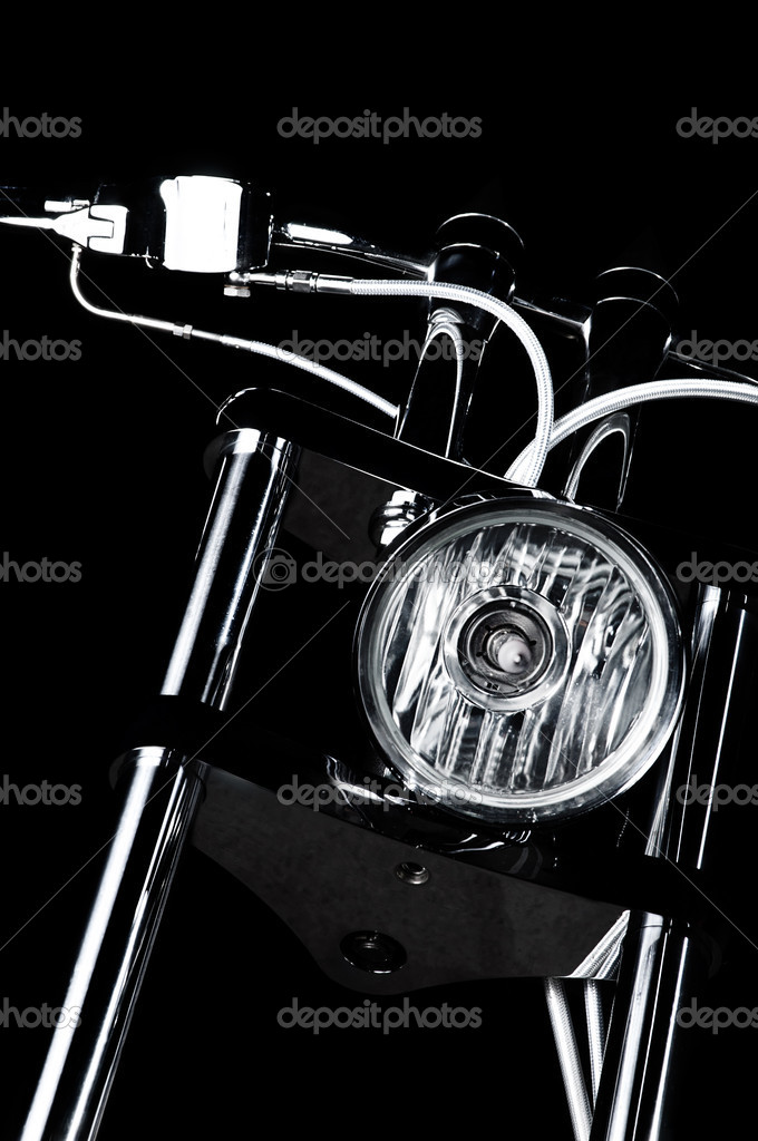 Close-up view on chrome headlight and handlebars of luxury bikeme chopper handlebars — Stock Photo #9348910