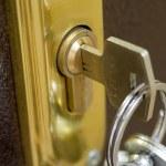 Home lock and key — Stock Photo
