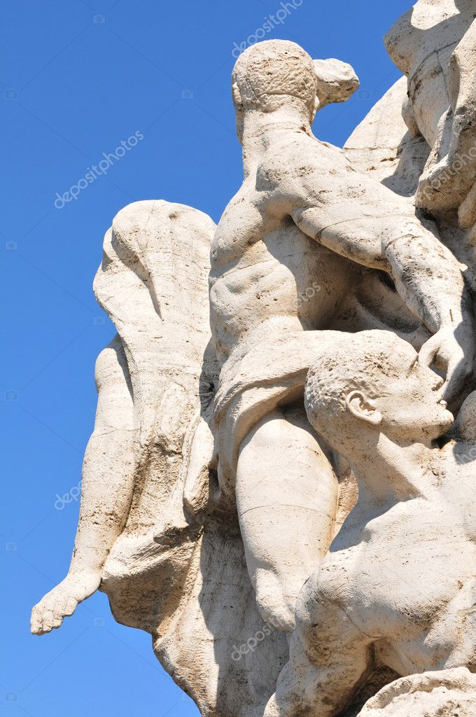Architectural detail of marble statuary group in Rome, Italy — Stock Photo #10107074