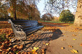 Bench in park — Stock Photo