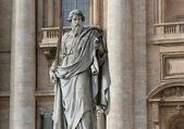 Petersdom 前雕像 — 图库照片