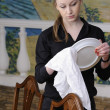Waitress at work — Stockfoto