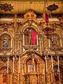 Spaanse sierlijke altaar serra kapel missie san juan capistrano c — Stockfoto