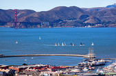 Fisherman's Wharf Golden Gate Bridge Sail Boats San Francisco Ca — Stock Photo