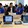 Stock Photo: Sales person in Apple store