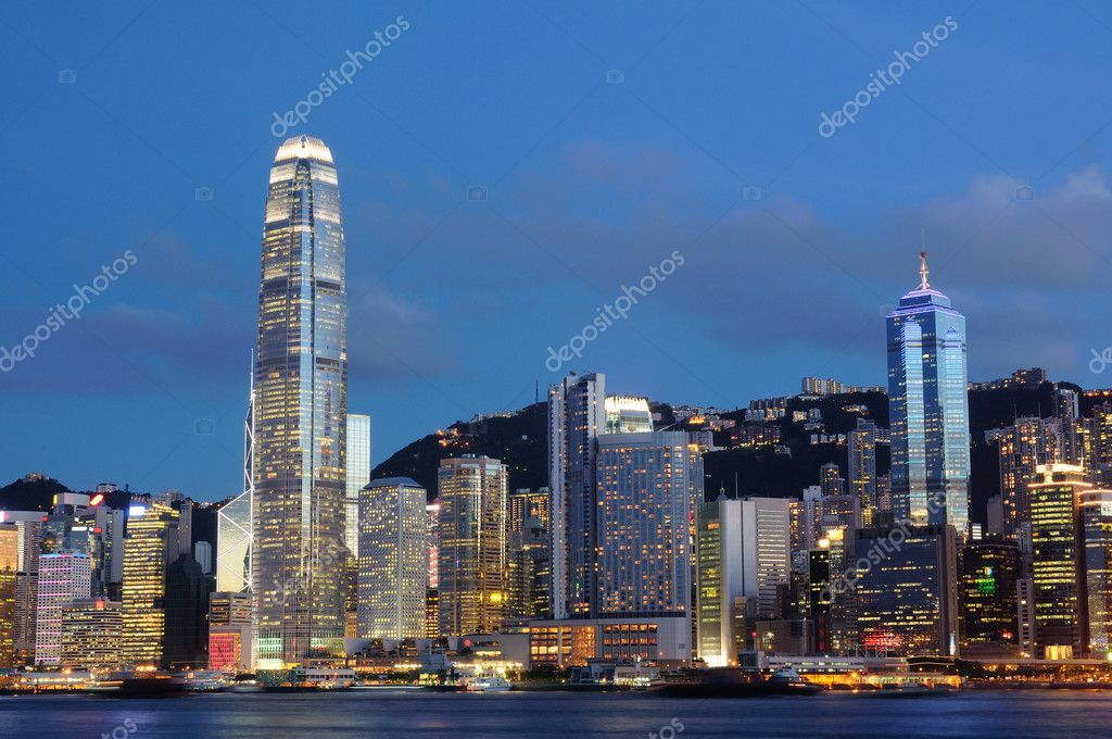 Night scene of cityscape in Hong Kong — Lizenzfreies Foto #9147240