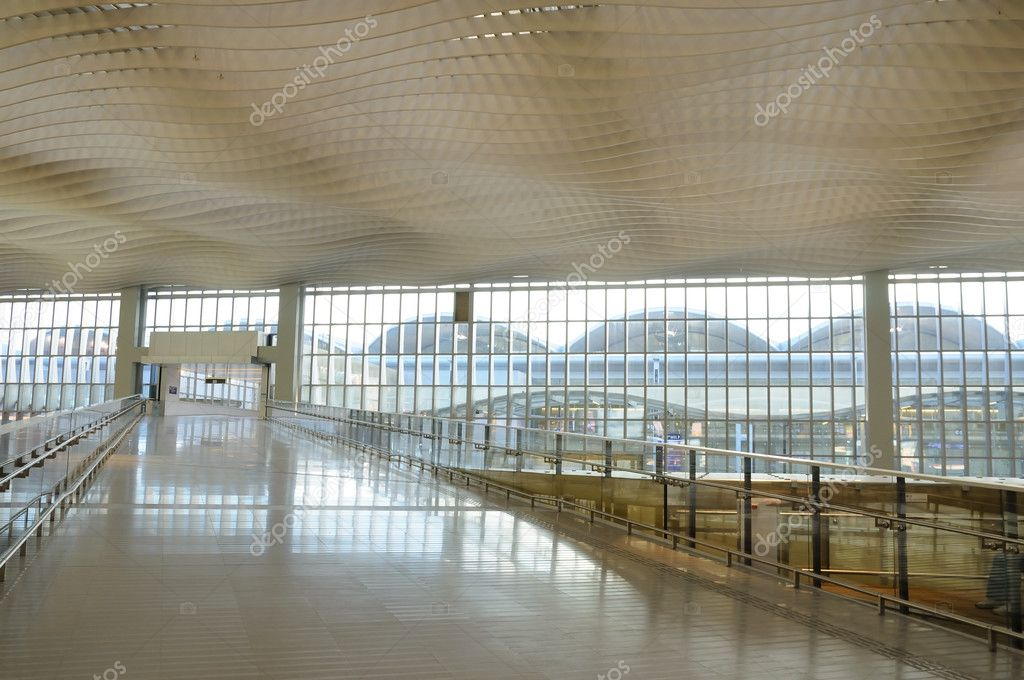 Interior structure of an international airport — Stock Photo #9147250