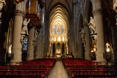 Interior de san miguel y santa gúdula de bruselas catedral, bruselas — Foto de Stock